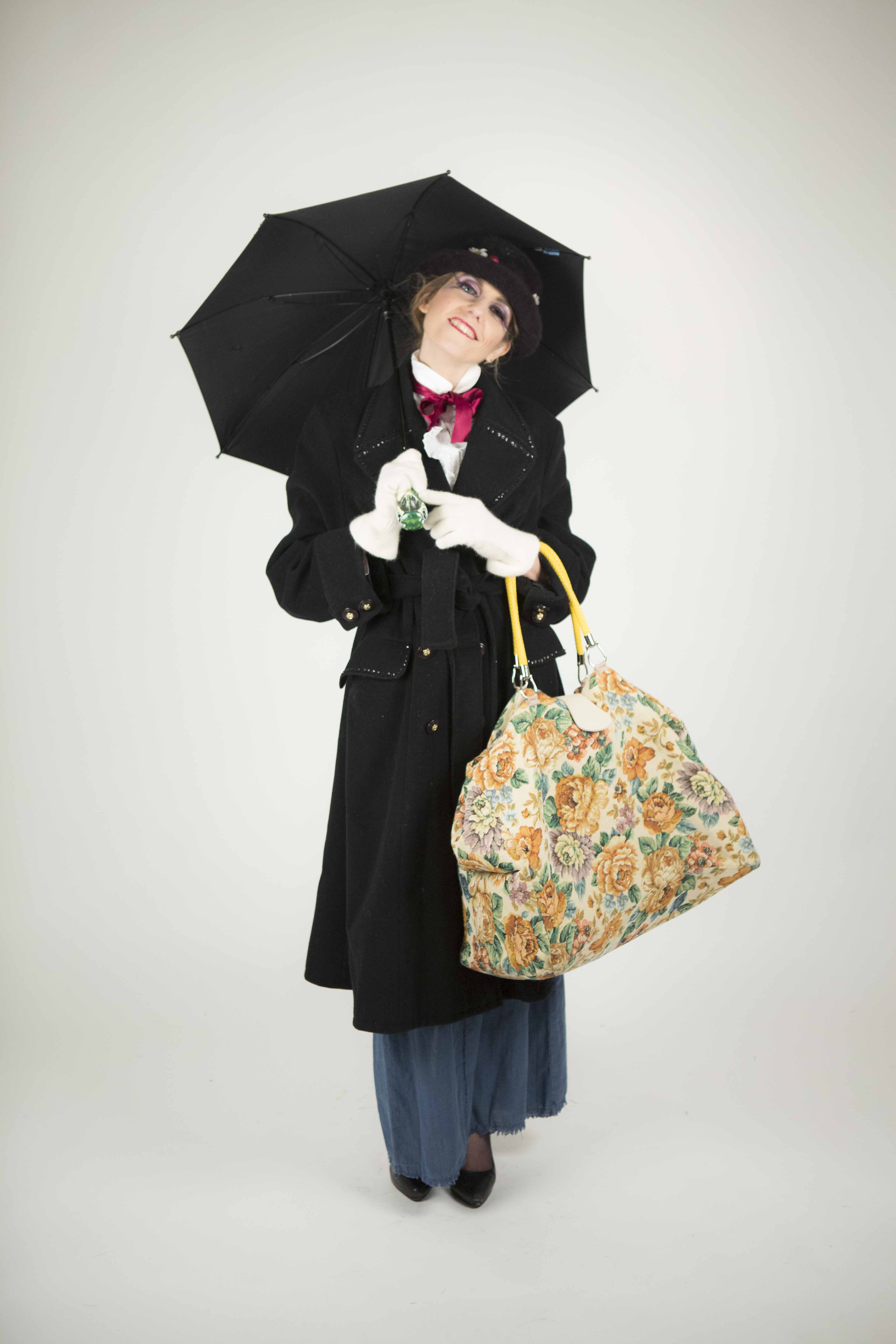 Blondy Violet _The True Story of Mary Poppins Rights Reserverd: Cecilia Pratizzoli
