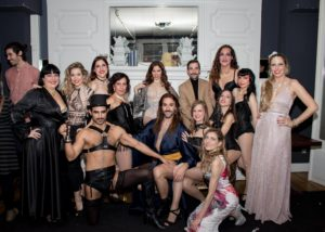 2019_12_01 - La Cuchara de Bella @ Market Hotel - Barcelona - All cast curtain call - Ph. ISAAC IBAÑEZ FERNANDEZ